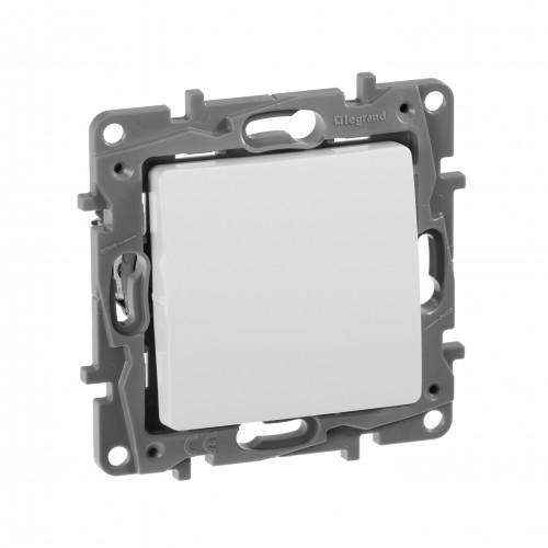 Выключатель без фиксации (кнопка) белый Legrand Etika (672214)
