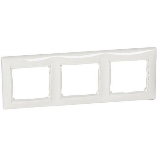 Рамка 3 поста горизонтальная белая Legrand Valena Classic (774453)