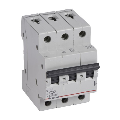 Автоматический выключатель 3P 32A хар-ка C 4,5kA Legrand RX3 (419711)