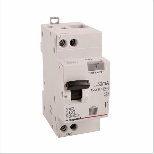 Дифференциальный автомат электронный 1P+N 6A хар-ка C 6kA 30mA тип AC Legrand RX3 (419396)