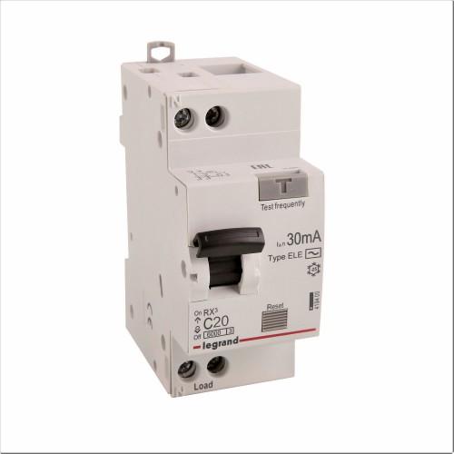 Дифференциальный автомат электронный 1P+N 20A хар-ка C 6kA 30mA тип AC Legrand RX3 (419400)