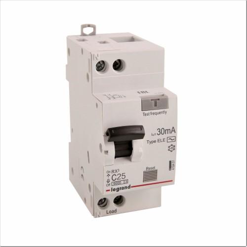 Дифференциальный автомат электронный 1P+N 25A хар-ка C 6kA 30mA тип AC Legrand RX3 (419401)