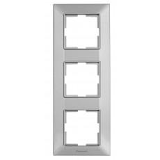 Рамка*3 вертикальная серебристая